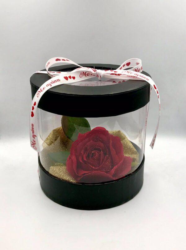Στολισμένο κουτί διάφανο/μαύρο με τριαντάφυλλο 13 εκ.