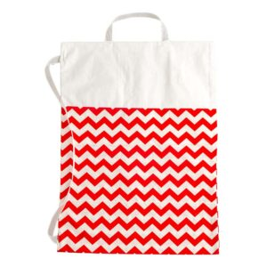 Υφασμάτινη λευκή τσάντα με κόκκινο ζικ ζακ 28 Χ 32 εκ.