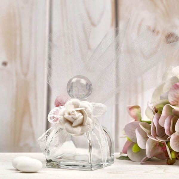 Μπομπονιέρα έτοιμη- Διάφανο βαζάκι/ λουλούδι/ 5 κουφέτα αμυγδάλου με δυνατότητα άλλης επιλογής